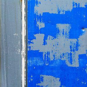 Blauw-grijs abstract op verweerd aluminium oppervlak van