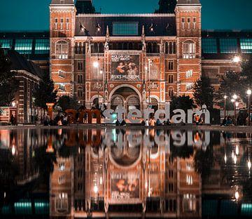 Rijksmuseum Amsterdam met IAMsterdam letters von willemien kamps