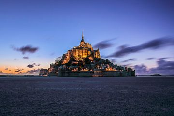 Le Mont-Saint-Michel - Sonnenuntergang von Ruwan Silva