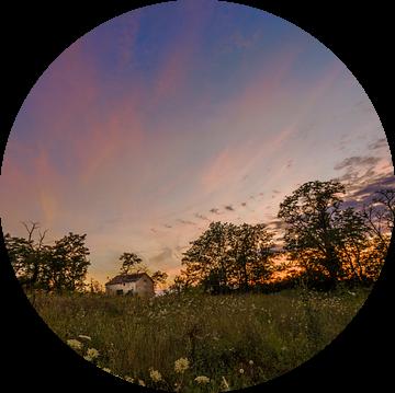 Lonely shed @ sunset II van Marcel de Groot