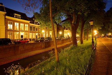 Nieuwegracht in Utrecht tussen Magdalenabrug en Servaasbrug sur Donker Utrecht