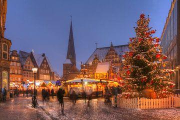 Altes Rathaus und Weihnachtsmarkt am Marktplatz bei Abendd�mmerung, Bremen, Deutschland