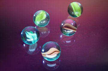 Play Marbles van Tomas S.