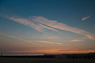 Lonely on the beach of Zoutelande von Edwin Harpe