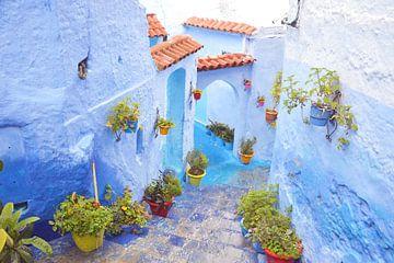 Chefchaouen de blauwe stad in Marokko van Bianca Kramer