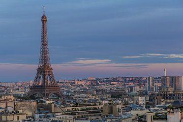Eiffel tower at sundown von