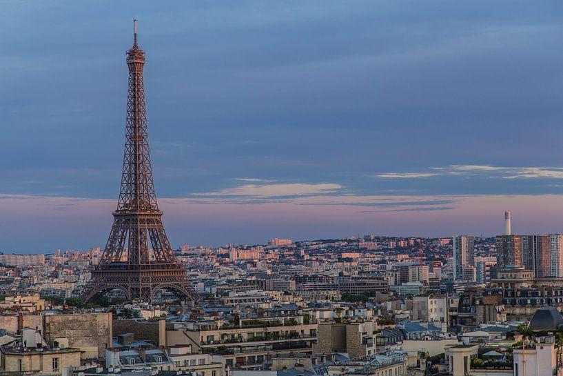 Eiffeltoren bij zonsondergang van Melvin Erné