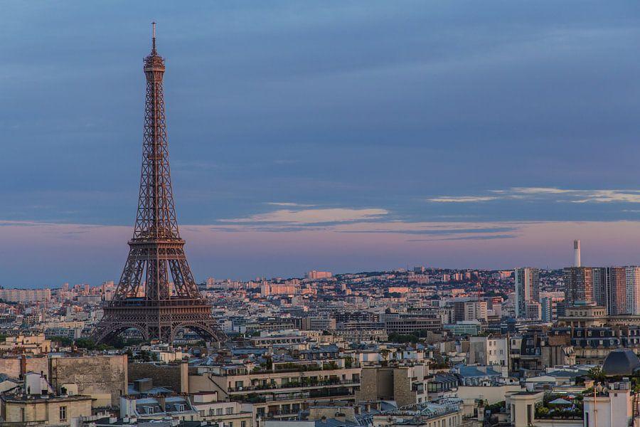 Eiffeltoren bij zonsondergang