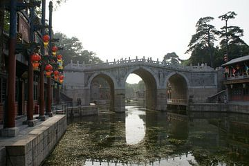 Pekinger Sommerpalast Lange Brücke über den Suzhou-Fluss 02 von Ben Nijhoff