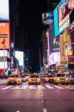 Yellow Cap New York | Avond | New York Taxi | Times Square | Art print van Mascha Boot