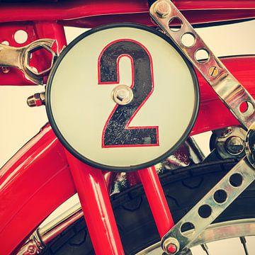 Détail d'une moto Ducati Cucciolo classique sur Martin Bergsma