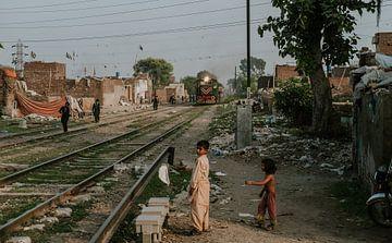 Pakistan | Spoorlijn in Lahore van Jaap Kroon