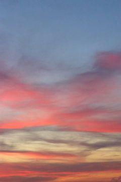 Kleurrijke lucht van Kimberley Helmendag