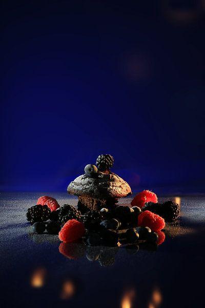 Brownie mit roten Früchten von Diana van Geel
