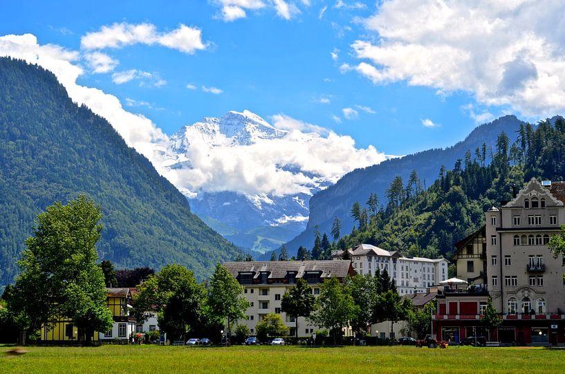 Jungfrau berg from Interlaken van Maurits Simons