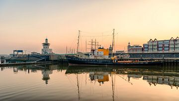 Zeesleepboot m.s. Holland sur