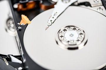 Nahaufnahme einer Festplatten-Computerkomponente von Sjoerd van der Wal