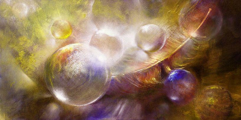 Featherlight - Glazen bollen met een veer van Annette Schmucker