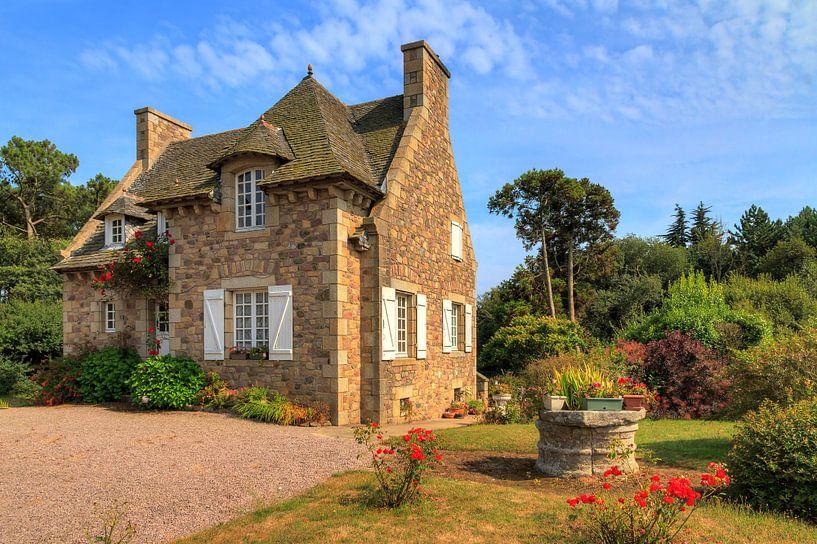 Frans huisje aan de smaragdkust in Bretagne van Dennis van de Water