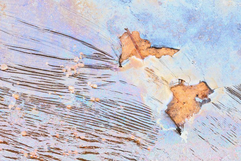 Rimpelingen in pastel met eikenblad van Karla Leeftink
