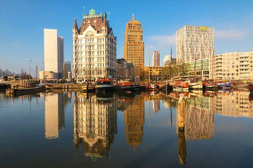 Oude haven Rotterdam in ochtendlicht van Ilya Korzelius