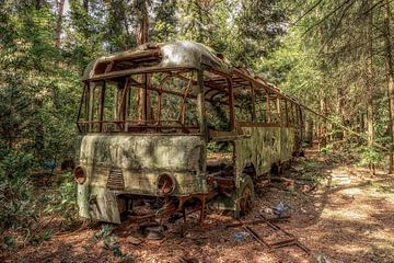Urbex bus von Marian van der Kallen Fotografie