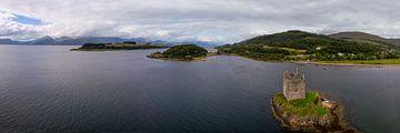 Luftbildpanorama von Loch Linhe mit Stalker Castle von Hans-Heinrich Runge