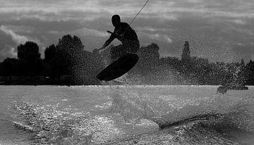 Vliegen over het water van Richard de Nooij