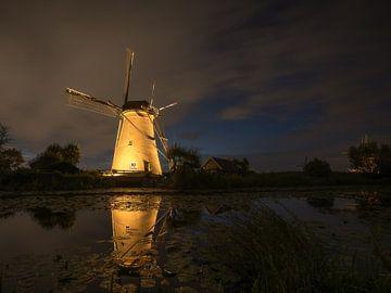 Nederwaard Molen no. 6 - lichtjesavond van Roelof Nijholt