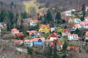 Photographie aérienne de la ville médiévale romantique de Wernigerode, dans les montagnes du Harz. sur Heiko Kueverling