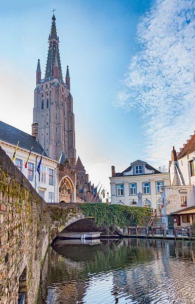 Gruuthusebrug en Onze-Lieve-vrouwkerk Brugge van Mike Maes