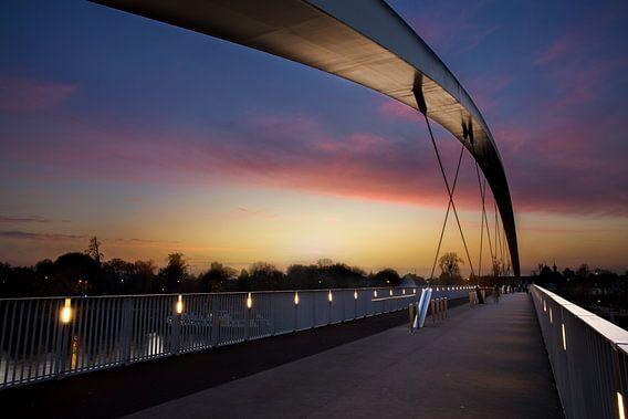 De hoge brug in Maastricht van Yvette Baur