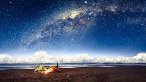 Camping under the galaxy van Martijn Kort