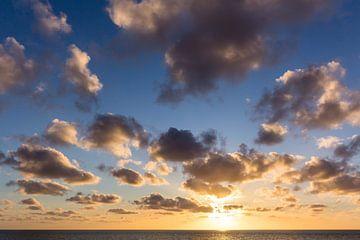 Zonsondergang aan het strand sur John Monster