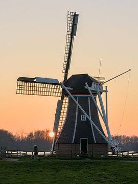 Windmühle bei Sonnenuntergang von Hannon Queiroz