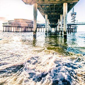 Zonsondergang onder de Scheveningse Pier