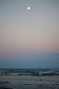 De maan, transformatie van dag naar nacht