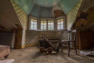 (urbex) Kinderkamer van vroeger von mandy sakkers