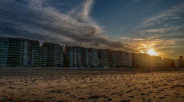 Coucher de soleil sur la côte de Blankenberge sur Mike Maes