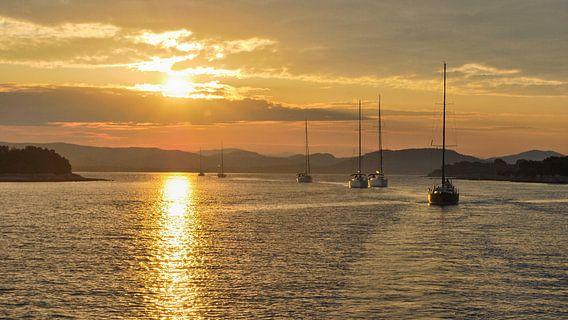Zeilen tijdens de zonsopgang - Adriatische Zee, Kroatie