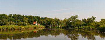 Idyllisch wonen in het bos en aan het water van Henk van den Brink