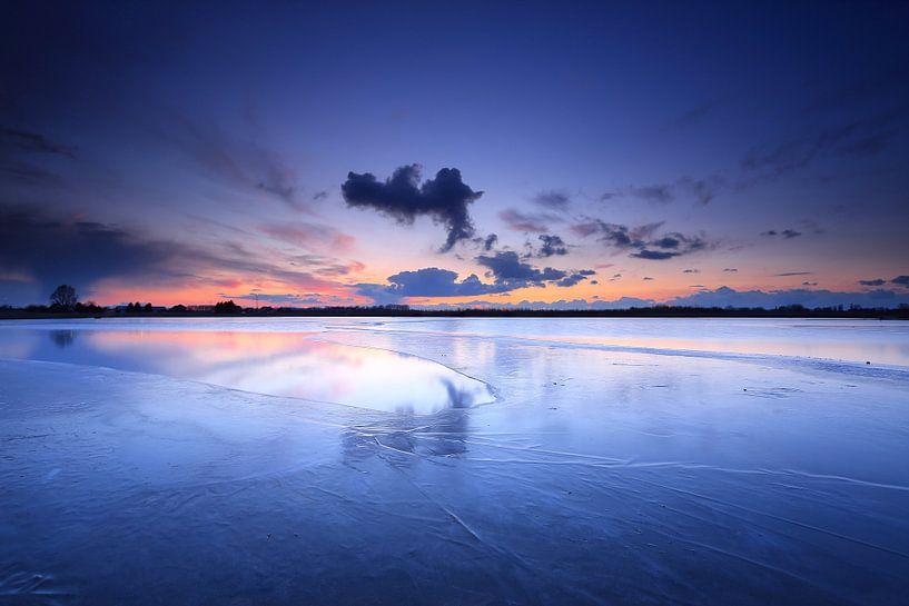 Winter blauw van Remco Stunnenberg