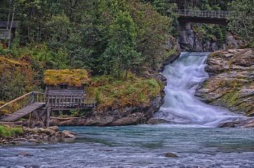 Stadheimfossen, waterval, Noorwegen. van Iris Heuer