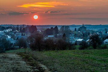 Zonsondergang Belgische Ardennen von Marco Schep