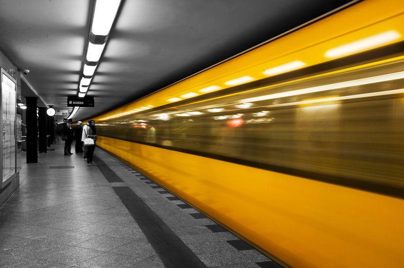 Berlijn - U-Bahn  van Ton de Koning