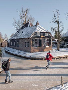 schaatsers in Giethoorn van Henri van Rheenen
