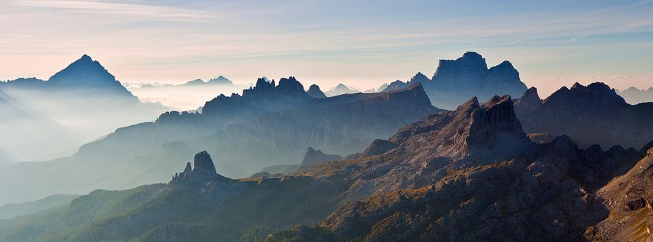 Landschaft, Berge, Panorama in den Alpen bei Sonnenaufgang ...