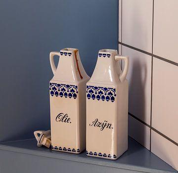 olie & azijnstel uit grootmoeders tijd van Corrie Ruijer