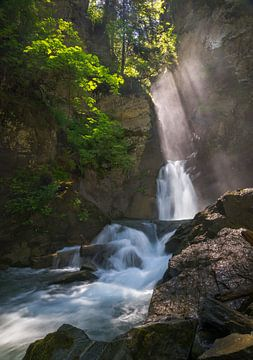 Mysterieuze Waterval van Emile Kaihatu