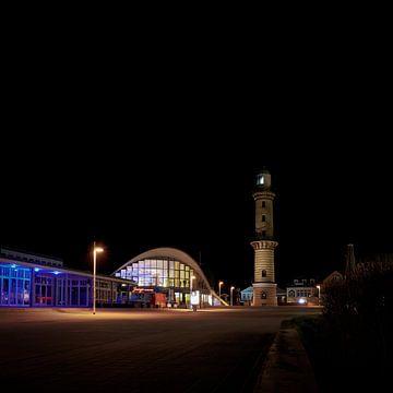 Leuchtturm und Teepott, die wichtigsten Sehenswürdigkeiten der Stadt Warnemünde von Heiko Kueverling